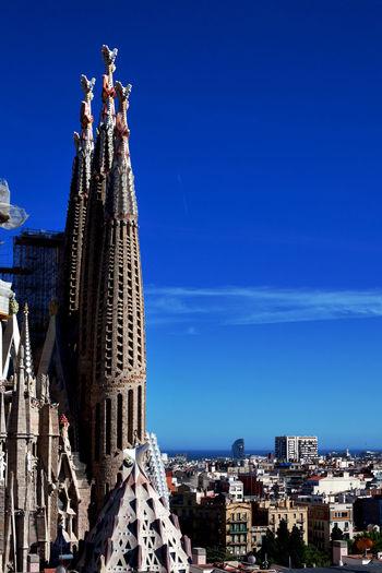 La Sagrada Familia, Barcelona, Spain. Arch Barcelona Sagrada Famila Sagrada Familia Sagrada Familia Towers Sagrada Família Basilica SPAIN Vertical