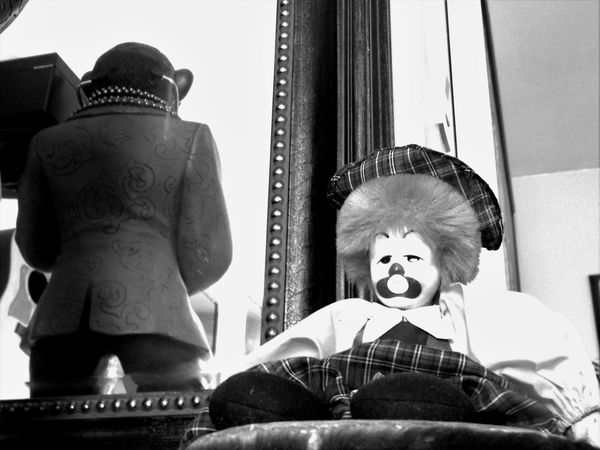 Monkey in the mirror + a clown doll sitting on a drum = a completely, & uniquely, bizarre combination of silliness you probably won't ever see anywhere else, ever! 🐒⭐😵⭐🙈⭐🎨🎭🎪⭐🙉⭐😮⭐🐵 lol Monochrome Photography Clown Clown Doll Doll Monkey Monkey Statue Eclectic Eclectic Style Eccentric Kitsch Oddities Interior Decor Interesting Objects Curios  Curious Unique Different Objet D'art Blackandwhite Fun Bizarre Eccentricity Mirror My Unique Style