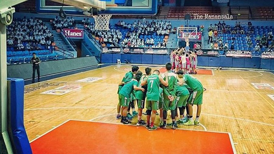 Juniors: Final four bid is alive for CSB-LSGH Greenies as they thump Lyceum Junior Pirates, 81-66, Thursday at San Juan Arena 🏀 . . . 🏆 Rodney Manuel (@rodneyymnl) led the Greenies to a statement victory with 25 points (5/10 treys), 5 rebs, and 3 assts. Meanwhile, Ricci Rivero (@riccinsweetness) scored 20 points . . . NCAA Ncaa91 Ncaaseason91 CSBvsLPU juniors benilde blazers blazersnation LSGH greenies onelasalle hoop ballers ballislife basketball themanansala