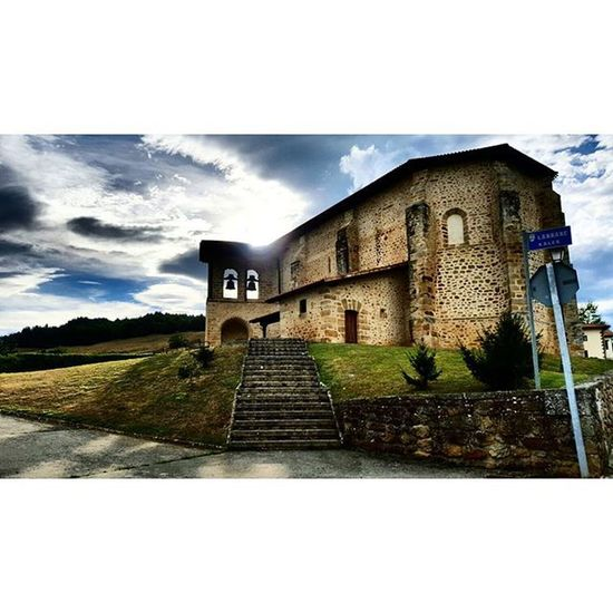Atardecer en Ametzaga Igersgasteiz , Igerseuskadi , Euskadi , Salimoshoy , euskalherria, euskadigrafias, nature, statigram, picoftheday