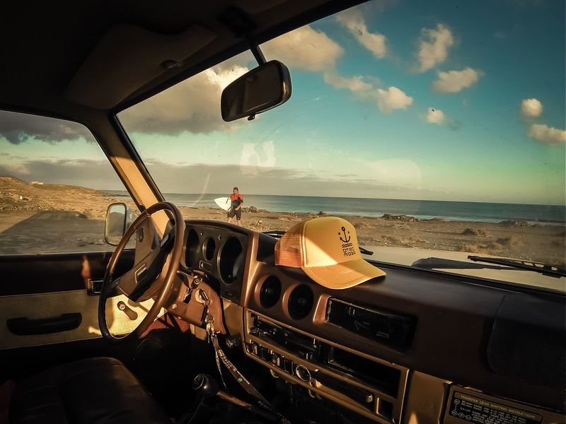 MeinAutomoment Toyota Land Cruiser Youngtimer Let's Go. Together.