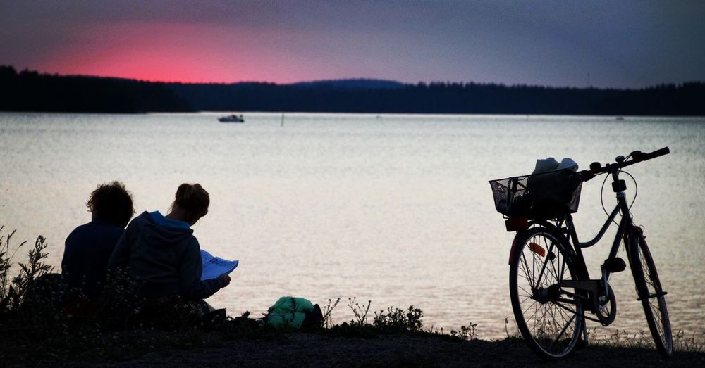 Chilling Chilling Lake Näsijärvi Suomi Finland Tampere Water Sunset Boat Couple Bike Bicycle The Essence Of Summer People Together Hidden Gems  Millennial Pink The Great Outdoors - 2017 EyeEm Awards Been There.
