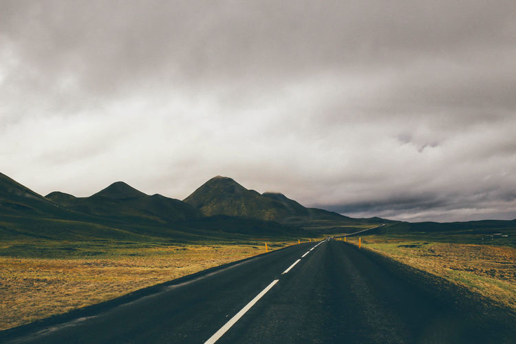 Composition Europe EyeEm Nature Lover Great Views Green Hanging Out Iceland Nature Photography Out Outdoor Outdoors Remote Road Street The Great Outdoors - 2015 EyeEm Awards Tranquil Scene
