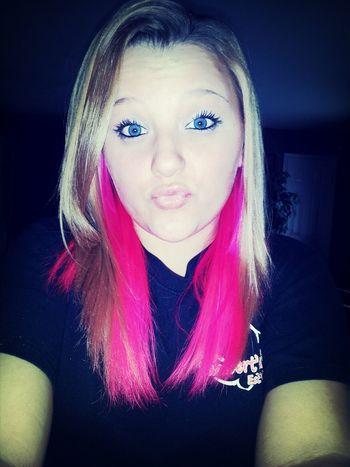 Blue eyes & Pink hair!!(;