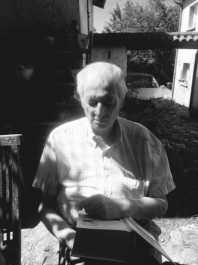 Black And White Grand Pere Creative Light And Shadow