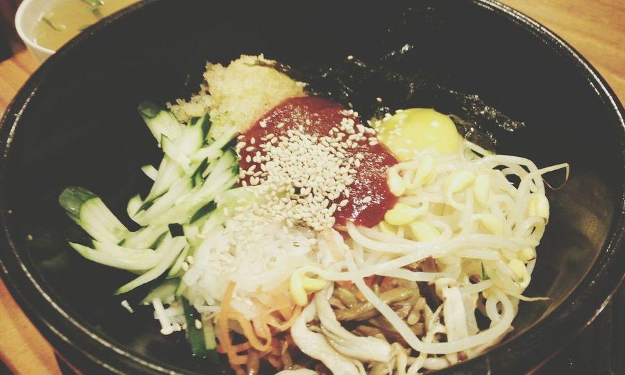 오늘은 한식타임. 요즘은 먹부림과 함께 찍부림도 발동되어 음식만 보면 찍으려고 달려들게된다. 호호 먹방컬렉션에 매료되었당 비빔밥 Korean Food