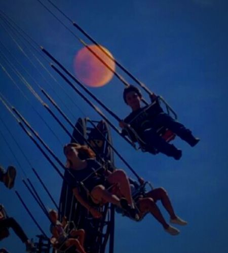 Low Angle View People Togetherness Sky Night Carnival Rides The Fair Leisure Activity Family❤ Bonding Fragility Cheerful Children Photography Inspiring View Getty Images Oregonexplored EyeEm Gallery The Great Outdoors - 2017 EyeEm Awards The Portraitist - 2017 EyeEm Awards Sea EyeEm Best Shots Multi Colored Travel Destinations Outdoors Full Moon YoYo Mix Yourself A Good Time The Graphic City Mobility In Mega Cities