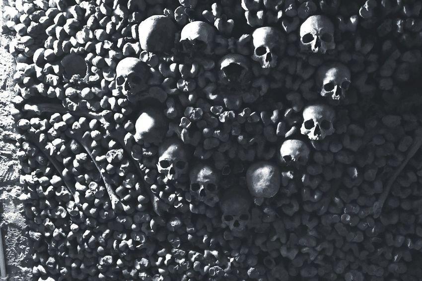 Full Frame No People Backgrounds Catacombs Katakomben Heart Of Skulls Skulls And Bones Bones Knochen Paris Paris ❤ Paris, France  France Under The City Second Acts Last Acts Gebeine Skellet  Skelleton The Photojournalist - 2018 EyeEm Awards