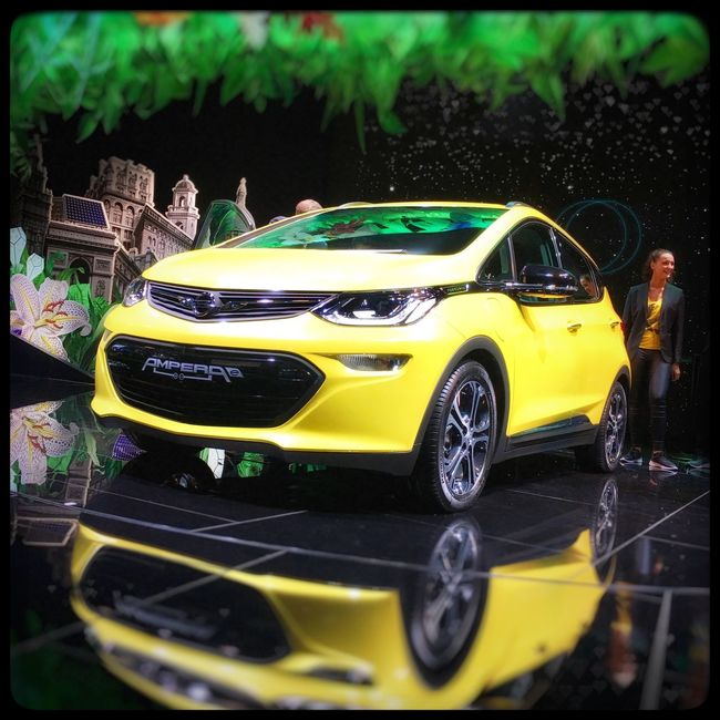 AMPERA-e live in Paris! e-Xciting days! Gm  Opel Ampera E Mondial Paris Motorshow