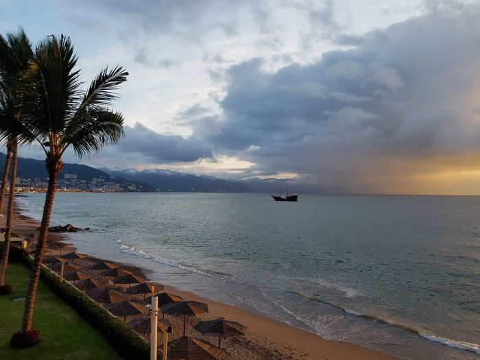 Horizon Over Water Cloud - Sky Sunset Sea Beach Nature Tranquility Travel Destinations Puerto Vallarta On Vacation!  Enjoy Life Enjoying Nature Connected By Travel Lost In The Landscape