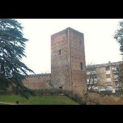 "Panoramica delle Due Torri di Rovigo (Piazza Matteotti) / Panoramic view of Rovigo's ""Two Towers"" at Matteotti Square / Vue panoramique des ""Deux Tours"" de Rovigo, sur la place Matteotti Rovigo Rovigram Igersrovigo Vivoveneto Vivo_italia Loves_architecture Architecture Fiftyshades_of_history Loves_monuments Picoftheday Instagrid Grid Panoramic Panorama Panoramicview Panoramique  Instadaily Instagood Medioevo Middleages Moyenage Edadmedia Castello Torri Towers castle chateau tours castillo torres"