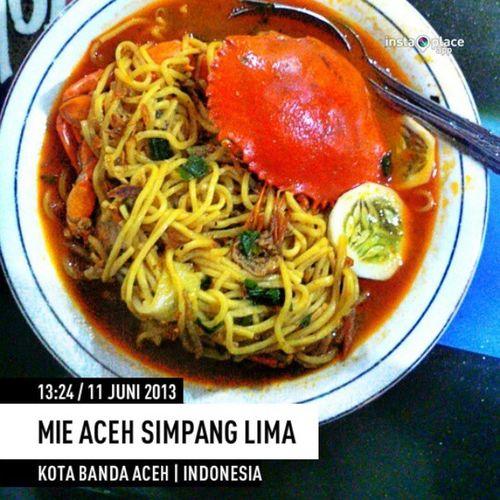 Hana lawan Mie Kepiting Aceh