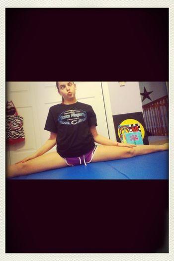 I get bored easily so I just do splits!! ❤