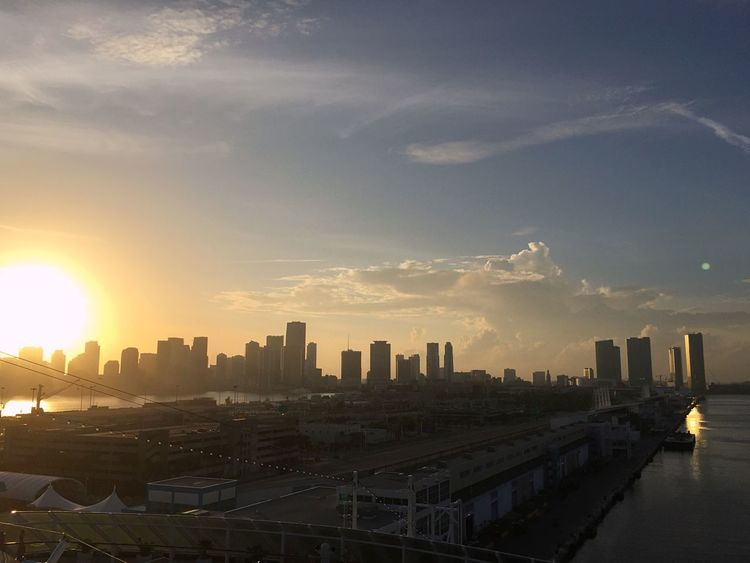 Sunset Sunset_collection Sunset In The City  Skyscrapers City Horizon Panoramic View Panorama Sunset Sky Sun Is Going Down Evening Sky Miami Miami Port Sky And Clouds Sunset Shadows