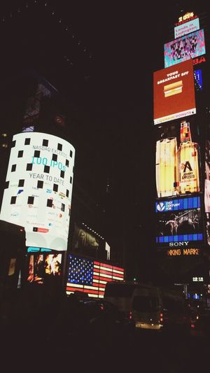 Oh how i love being in NYC Hello World Check This Out Time Square, New York Taking Photos