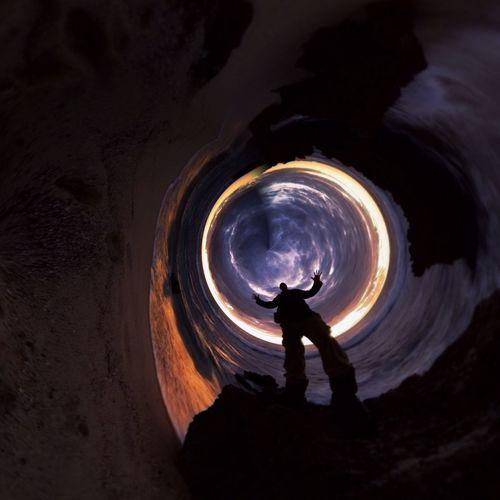 Black hole Warp