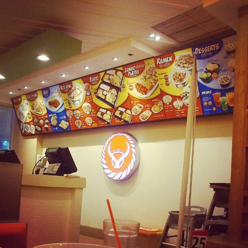 Lotsa ramen!!! :) Yoshinoya Ramen Happybelly Thursdate