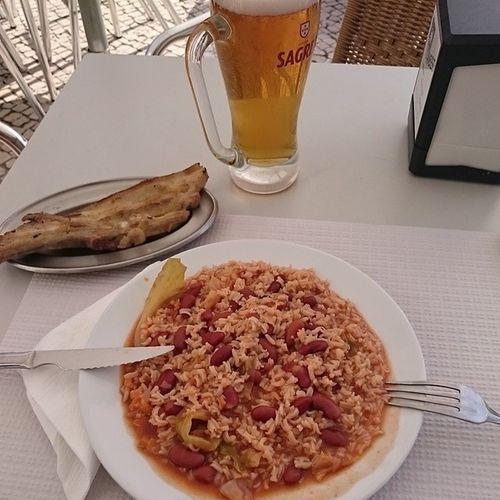 Vamos equipa 😊 Encontrar Sagres no Porto não é fácil... Almoço Cerveja Sagres