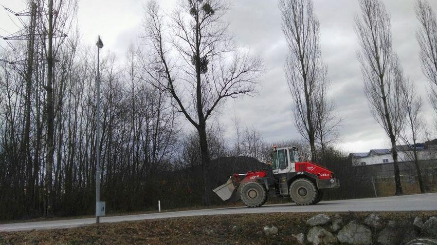 Land Vehicle Baumaschine Mode Of Transport Outdoors Nutzfahrzeug Transportation Tree Sky Electricity  Strommast Stromleitung