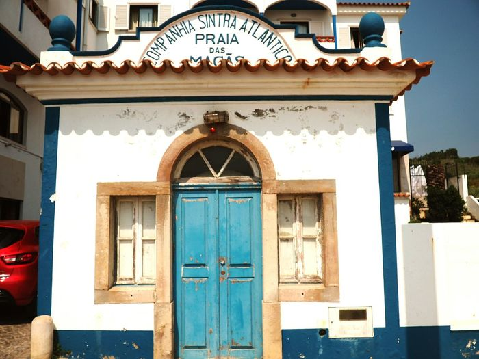 EyeEm Selects Door Entrance Architecture No People Building Exterior Old-fashioned Façade Doorway Day Outdoors Built Structure Close-up Praia Das Maçãs Sintra
