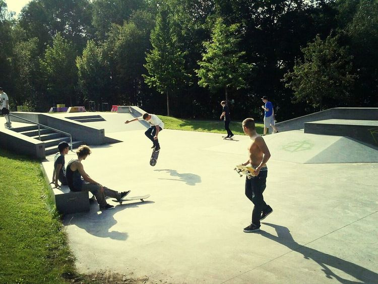 Skateboarding Chillin Dudes 420 #skateday #reichenbach #goodlife