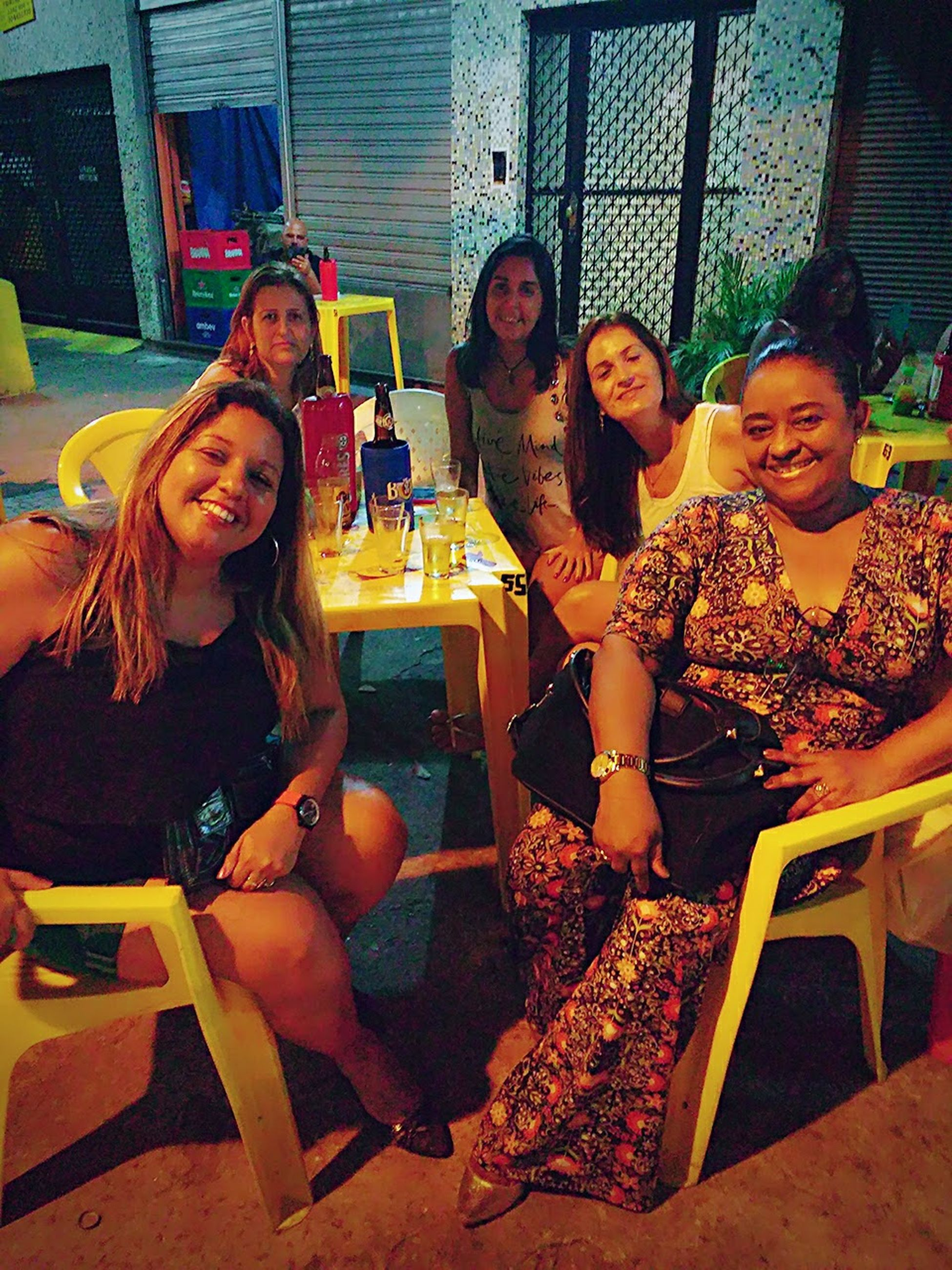 females, teenager, restaurant, women, girls, happiness, friendship, lifestyles, smiling, bar - drink establishment, adult, beauty, togetherness, people, indoors, young women, cheerful, young adult, night, nightlife, unity, happy hour, fast food