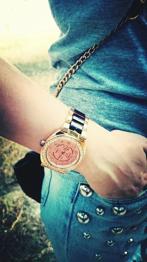 Хештег:охуенные часы хештег;онли Оля