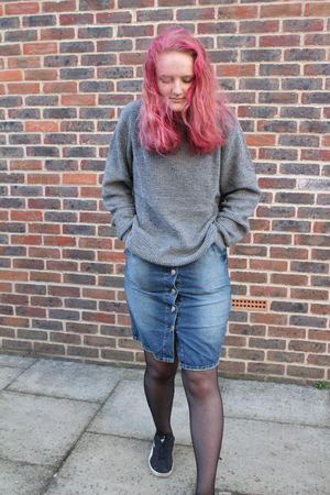 Photo 7 Fashion/Editorial work for college. Canon Canonphotography Denim Fashion Girl Hair Jumper Photography Pink Shrug Step EyeEmNewHere