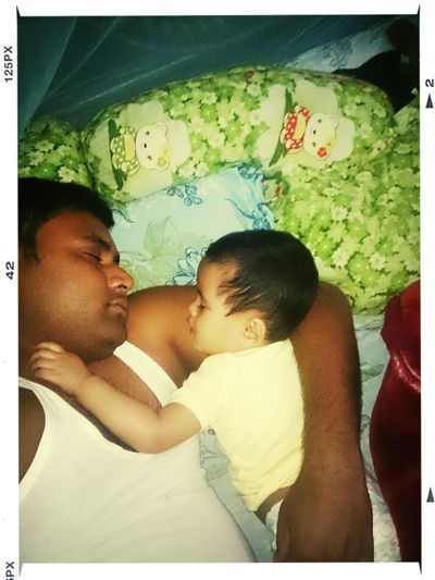 sleeping with my angel ADIBA. PHOTO CREDIT : MY WIFE