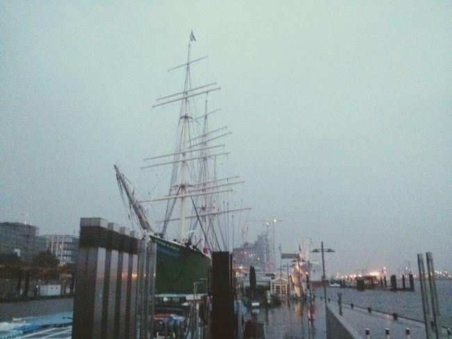 Segelschiffe sehen einfach immer nach Freiheit und Abenteuer aus
