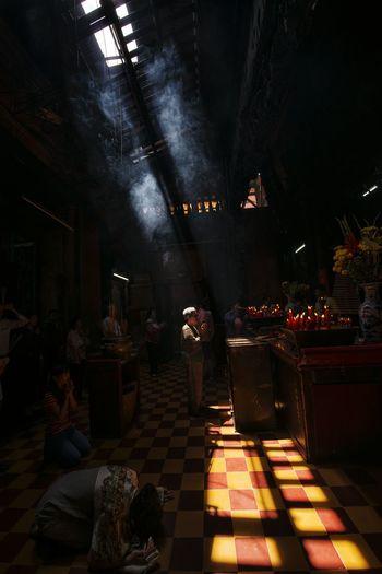 ... Light And Shadows Lights Light Lighting Light And Shadow EyeEm Best Shots Eyeemphotography EyeEmbestshots Temple Pagoda Peace And Quiet Praying Pray Praying Time