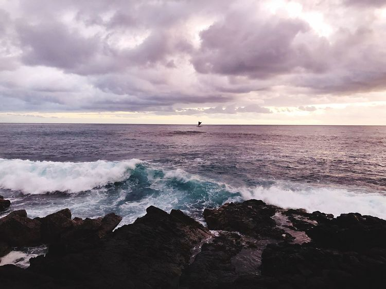In the middle Splashing Lava Hawaii Boat Kona Sea Water Cloud - Sky Sky Beach Beauty In Nature Scenics - Nature Tranquil Scene Solid Rock - Object Outdoors Nature Motion Horizon Over Water Rock Wave Tranquility