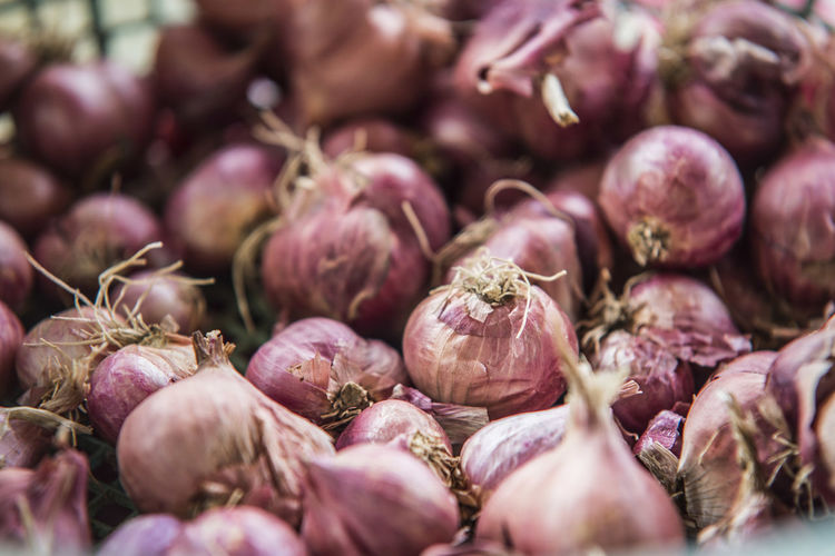 Abundance Backgrounds Close-up Day Detail Focus On Foreground Food For Sale Freshness Full Frame Growth Healthy Eating Heap Large Group Of Objects Market Market Stall Nature No People Organic Outdoors Raw Food Retail  Ripe Selective Focus Shallots