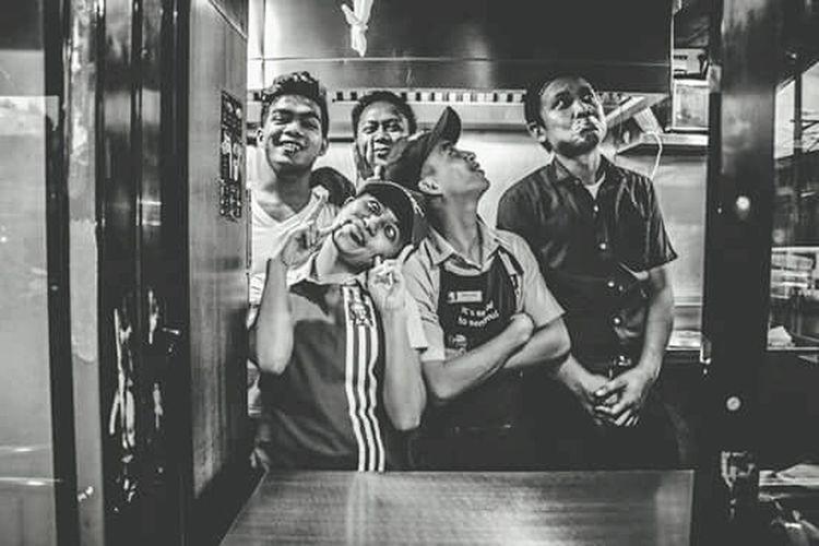 Men Women Friendship Enjoyment Adult People Real People Cheerful Young Adult Togetherness Human Representation Blackandwhite Photography Blackandwhite Wacky Kcf Angono, Rizal, Philippines