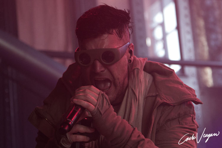 starset_reggio emilia_13_06_2019 Starset Reggio Emilia Italia Infest Fuori Orario One Person Real People Portrait Headshot Front View Indoors  Lifestyles Holding Clothing Glasses Young Adult Leisure Activity Focus On Foreground Young Men Adult Waist Up Men Red Hairstyle