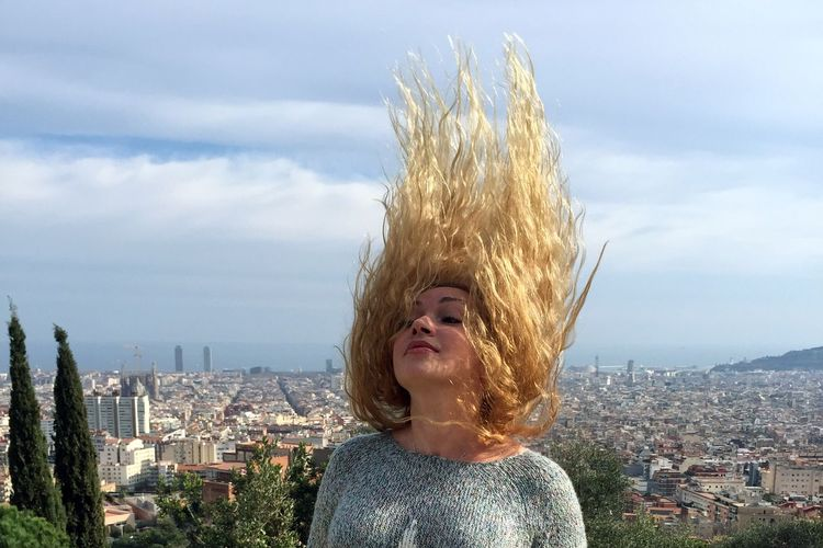Showcase April Hair City View  Over The City Spring Springtime Girl Fluttering Fluterring Hair Barcelona Telling Stories Differently Let Your Hair Down Girl Power Women Around The World