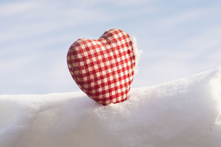 Winter Snow Cold Temperature Red Day Nature White Color Sky Cloud - Sky Outdoors Beauty In Nature Textile Sunlight Covering Close-up Frozen Heart ❤ Valentine's Day  Love Gift