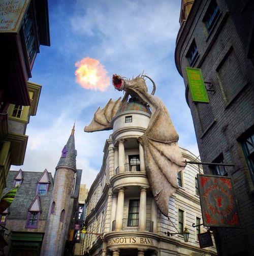 Gringottsbank Dragon Gringotts Dragon Harry Potter ⚡ Harrypotter Gringotts Dragon Firebreathing Gringotts Universal Studios Orlando