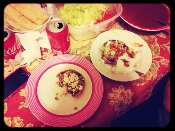 Letis first time making sopes n there bomb.