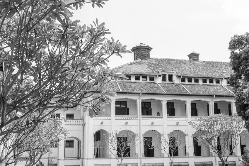 historic building Lawang sewu Goverment  Architecture Building Religion And Tradition Religion Place Classical Style INDONESIA Colonial Awesome Java Museum Of Art Old Buildings Building Architecture White Black Architectural Design Lawang Sewu Outdoor Photography Museum Of Natural History Old
