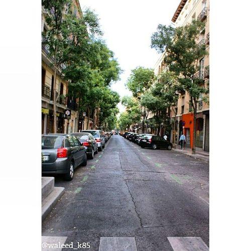 Alley At CalleDeAlcalá CalleAlcala Walking . madrid Spain españa. Taken by my sonyalpha dslr a200. Taken in my 2012 summer trip مدريد اسبانيا حي