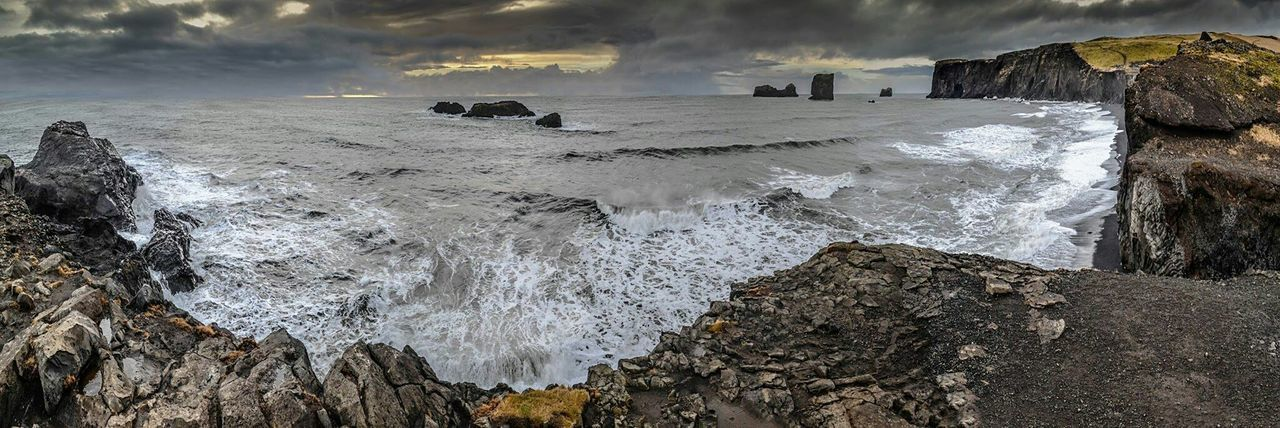 Sea Northsea Southshore Ocean Cliffs Wildlife Iceland Traveling Storm Nature Angry ocean in Iceland south shore