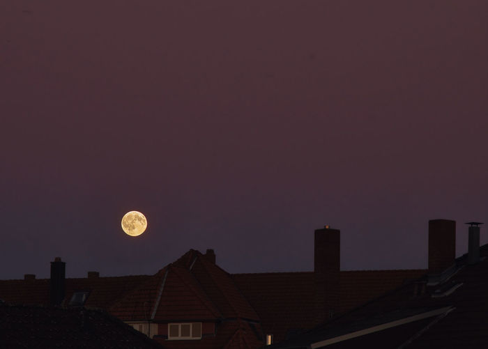 Moon rise with