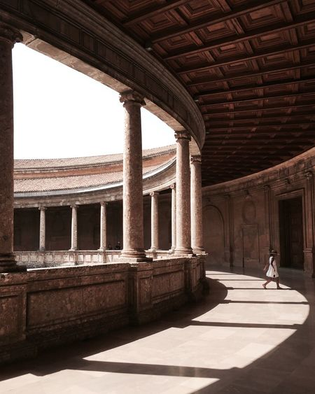 KidsBoredAtPlacesOfHistoricInterest Architecture Kids Having Fun SPAIN Alhambra Shadow Strangers Taking Photos Tranquil Scene Person People Watching Famous Place Girl Cute Kids The Photojournalist - 2017 EyeEm Awards