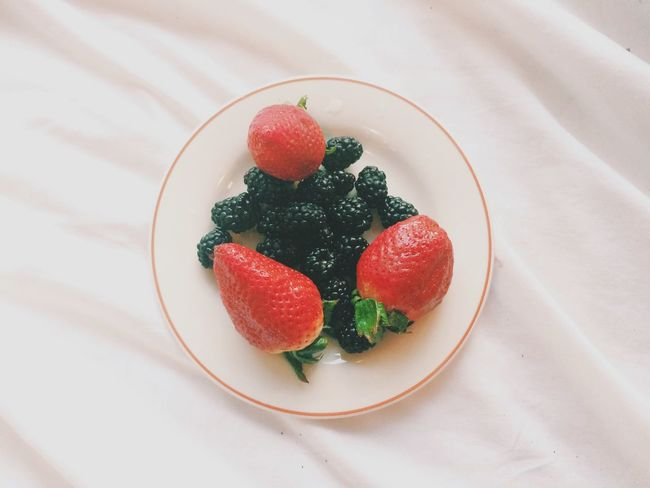 Definitely Better Together ❤️ Strawberries + Black Berries = 👍 Being Healthy And Shit Foodporn Clean Eating