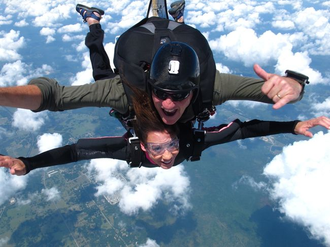Cloud - Sky Skydiving Flying Looking At Camera Life Without Fear First You Must Fly Listen Within Sky Living Kidney Donor Extreme Sports Beautiful Day Domestic Abuse Survivor Mid-air Above The Clouds Tadaa Community Tadaa Pocket_family