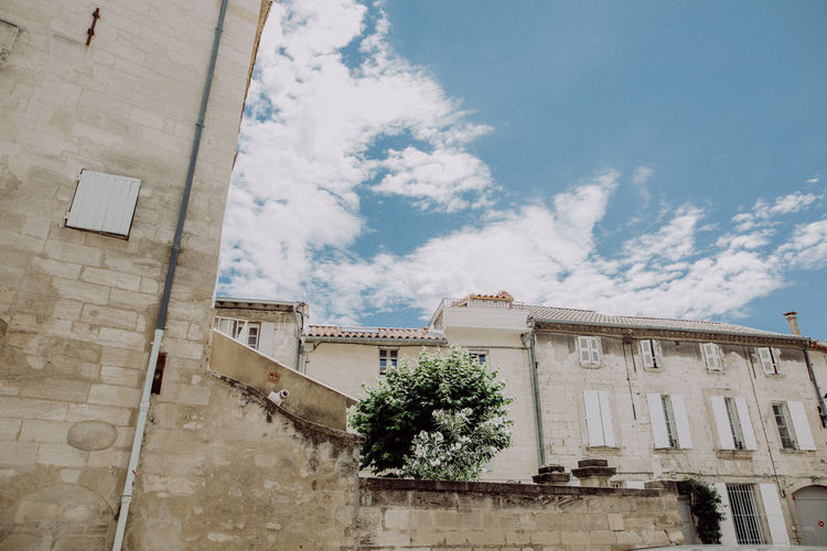 Litte town close to Avignon, France City France Nature Provence Travel Traveling Building Clouds Explore Hotel House Motel Old Buildings Outdoors Photography South France Street Streetphotography Town Travel Destinations Village Walls