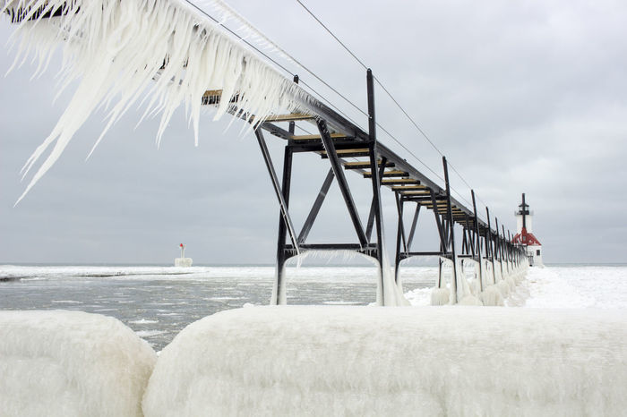 Awesome View Cold Winter ❄⛄ Freezing ❄ FreezingMyAssOff Home Decor!! Ice Iceicles Inspirational Photography Lake Michigan Lake Michigan Lighthouses Landmark Lanscape Photography Office Decor Pier Snow ❄ Snowing ❄ St. Joseph Lighthouse, Michigan Travel Destinations Travel Photography Water Winter Wonderland Winterscapes EyeEmNewHere