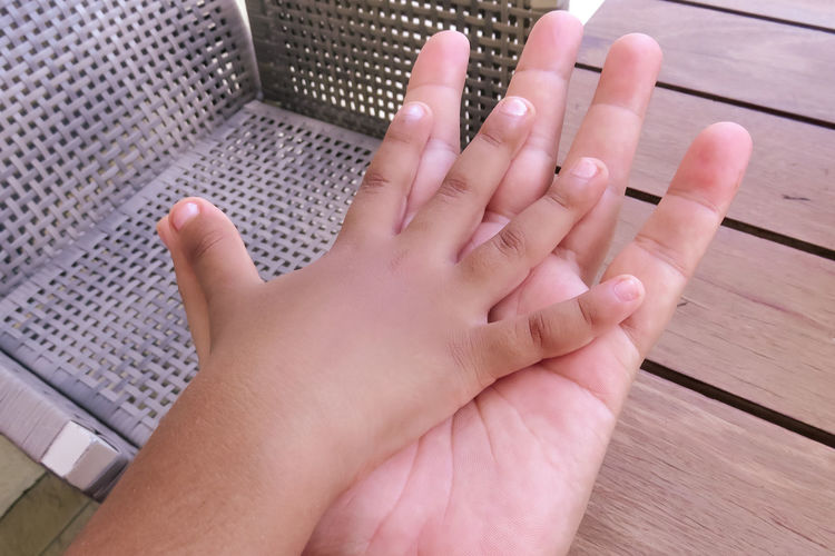 The hands 10 Adult Adults Only Close-up Day Hands Human Body Part Human Hand Nail Polish One Person One Woman Only People Women Live For The Story Finger Personal Perspective Body Part Human Finger