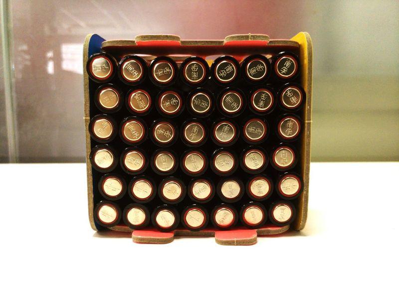 一年又三个月 鼠标用掉的电池 两层
